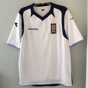 Men's Scotland soccer jersey in mint condition